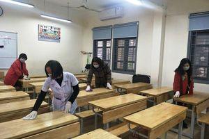 Quận Thanh Xuân tiếp tục phun khử khuẩn phòng dịch Covid-19