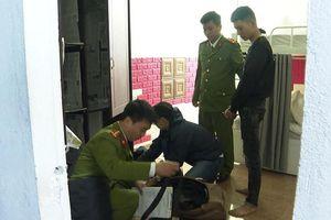Thừa Thiên - Huế bắt nhóm cho vay lãi suất 120%/năm
