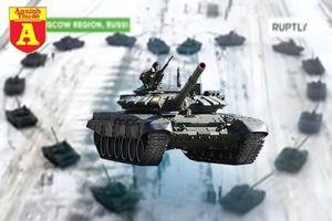 Sĩ quan Nga dùng binh đoàn xe tăng hạng nặng để cầu hôn