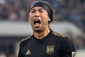 Lee Nguyễn ra sân đá chính trước thông tin chuyển về V.League