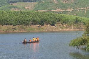Hỗ trợ các nạn nhân vụ chìm đò khiến 3 người tử vong