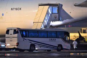 Hơn 300 khách từ du thuyền ở Nhật bay về Mỹ, 14 ca nhiễm virus corona