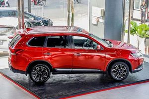 Mitsubishi Outlander 2020 giá từ 825 triệu đồng có gì để 'đấu' với Honda CR-V, Mazda CX-5?