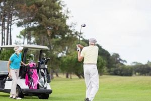 Chơi golf giúp giảm nguy cơ tử vong sớm ở người cao tuổi