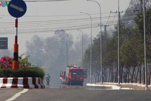 Đang cháy tại núi Minh Đạm ở Bà Rịa- Vũng Tàu, khói bốc mù mịt