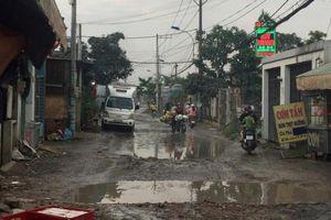 Đường Liên Ấp 123 lầy lội sau cơn mưa