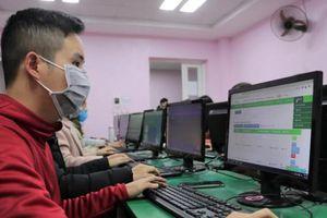 Bị phụ huynh phản ứng, trường dừng thu 2,5 triệu đồng/tháng dạy online