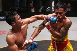 Võ sĩ Lethwei tung cú đấm knock-out đối thủ