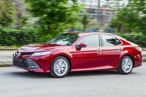 Phân khúc xe hạng D tháng 1/2020: Toyota Camry cho Honda Accord 'hít khói'