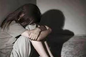 Thanh niên bị khởi tố vì 17 lần giao cấu với bé gái