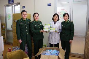 Quảng Ninh bàn giao 30.000 khẩu trang tang vật cho ngành Y tế