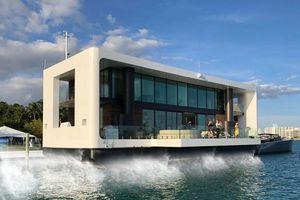 Biệt thự 5,5 triệu đô di chuyển trên biển như du thuyền