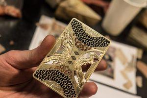 Thẻ tín dụng làm từ kim cương và vàng của giới siêu giàu