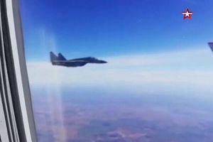 UAV Mỹ uy hiếp máy bay chở Bộ trưởng Quốc phòng Nga
