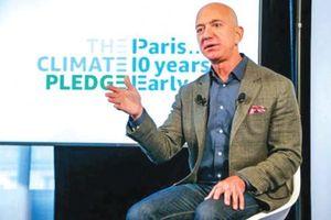 Tỉ phú Bezos mạnh tay chống biến đổi khí hậu
