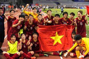 HLV trưởng tuyển bóng đá nữ Việt Nam nói gì về tin đồn bị VFF nợ lương?