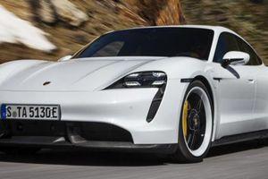 Siêu xe điện Porsche Taycan bốc cháy bí ẩn trong gara