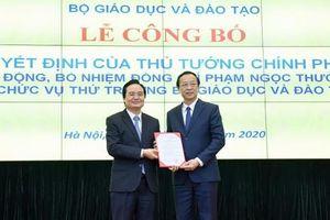 Trao quyết định bổ nhiệm Thứ trưởng GD-ĐT Phạm Ngọc Thưởng