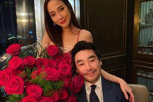 'Nữ hoàng showbiz Thái' Aum Patchrapa ngọt ngào bên bạn trai tỷ phú, khéo léo xác nhận mối quan hệ