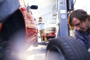 Bơm lốp xe bằng khí Nitơ có thật sự tiện lợi?