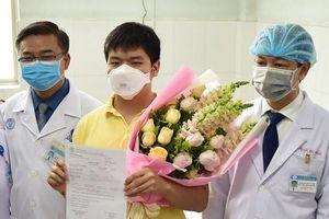 Vinh danh tập thể điều trị bệnh nhân khỏi virus corona ở TP.HCM