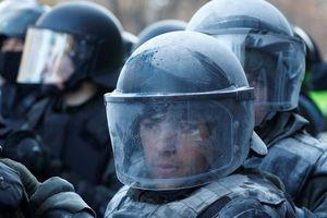 Nhóm dân Ukraine biểu tình phản đối đưa công dân từ Vũ Hán trở về