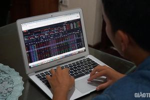 Chứng khoán ngày 21/2: Ngân hàng kém sắc, VN-Index 'khoác áo đỏ' cuối tuần