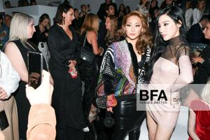 CL luôn biết cách mặc đồ che thân hình quá khổ sau khi tăng cân