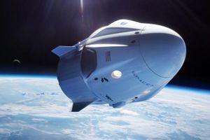 SpaceX phát triển du lịch vũ trụ