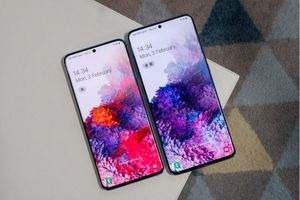 Sự khác biệt đáng kinh ngạc giữa màn hình 120Hz và 60Hz khi so sánh Samsung Galaxy S20 với Galaxy S10