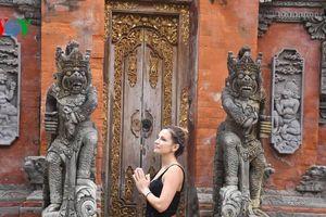 Dịch Covid-19 khiến mục tiêu du lịch Indonesia bị đe dọa