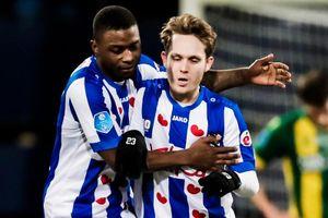 Cựu cầu thủ Barca cứa lòng ghi bàn giải cứu Heerenveen