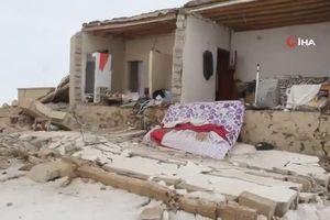 Động đất trên biên giới Iran - Thổ Nhĩ Kỳ, hơn 1.000 căn nhà đổ sập