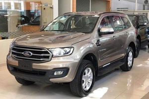 Ford Everest giảm giá 110 triệu đồng tại đại lý