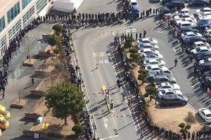 Cảnh tượng 'dị thường' khi người dân xếp hàng mua khẩu trang tại Hàn Quốc