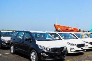 THACO xuất khẩu 40 xe Kia Grand Carnival sang Thái Lan