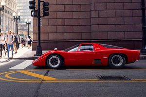 Siêu xe McLaren M6GT hiếm hoi xuất hiện trên đường phố Chicago