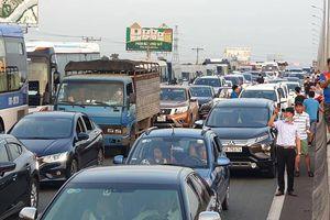 Làm gì để bớt cảnh 'chôn chân' trên cao tốc Long Thành?