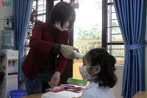 Nhiều trường ở Hà Nội khó mua đủ nhiệt kế điện tử