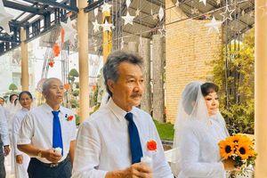 Danh ca Hương Lan kỷ niệm ngày cưới ở tuổi 64