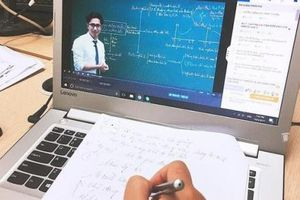 Giáo viên nói gì về việc dạy và học online?