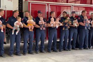 9 lính cứu hỏa cùng đơn vị đều lên chức bố trong một năm