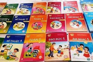 Duyệt thêm 7 cuốn sách giáo khoa lớp 1