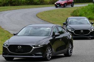 Tốn bao nhiêu tiền để lăn bánh một chiếc Mazda3 2020?