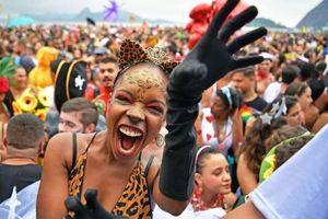 Hàng nghìn người tham dự lễ hội lớn nhất thế giới giữa dịch Covid-19