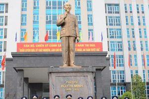 Trung tướng Nguyễn Tân Cương thăm và làm việc tại Bộ tư lệnh Cảnh sát biển