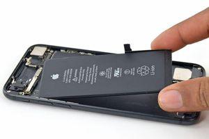 EU có thể sẽ bắt Apple dùng pin rời cho iPhone