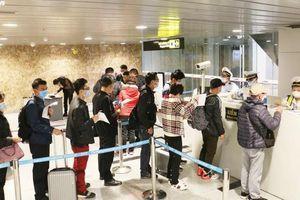 Du khách từ Iran, Italy nhập cảnh vào Việt Nam phải khai báo y tế