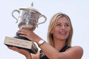 Sharapova giải nghệ, nhà tài trợ 'làm khó' làng banh nỉ