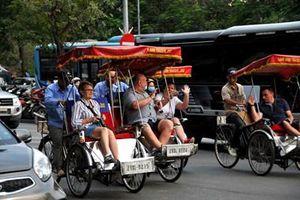 Du khách quốc tế yên tâm tham quan Hà Nội